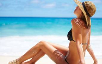 Tempo di sole e spiaggia: abbronzati responsabilmente!