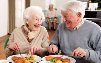 Mangiare più proteine potrebbe non giovare agli uomini più anziani