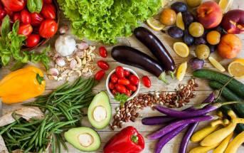 Metti in tavola l'estate: le regole d'oro e una ricetta piena di colore