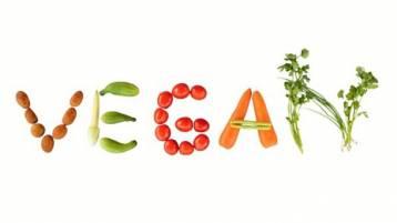 """Perché scegliere il vegan: intervista a Antonella Tomassini, autrice del libro """"Pianeta Vegan"""""""