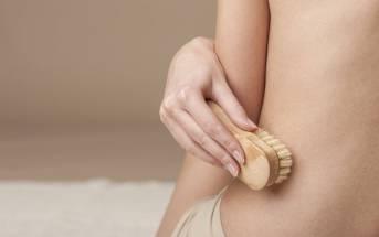Spazzolatura a secco della pelle: piccoli gesti per mantenersi in salute