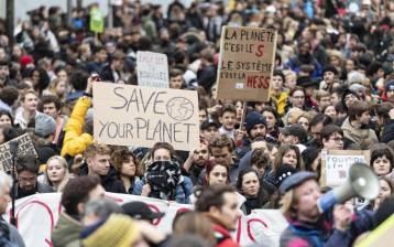 Migliaia di giovani riversati sulle piazze di tutto il mondo